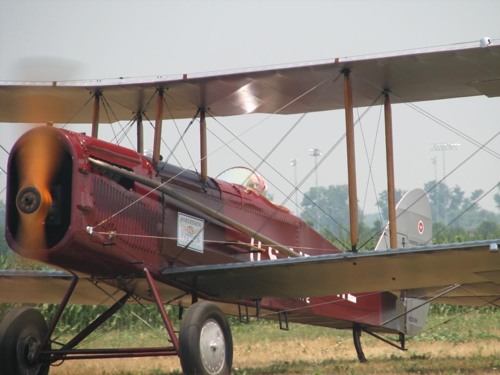 Desmond in the Airco DH4